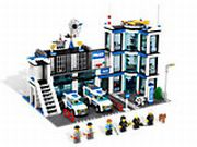 Lego City Polizeistation 7498 im Preisvergleich